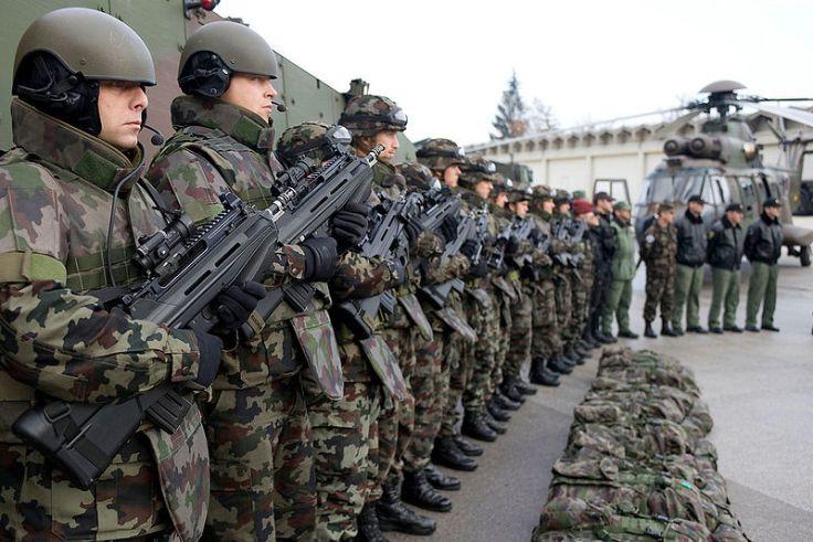800px-EUCOM_Slovenian_Armed_Forces_F2000S