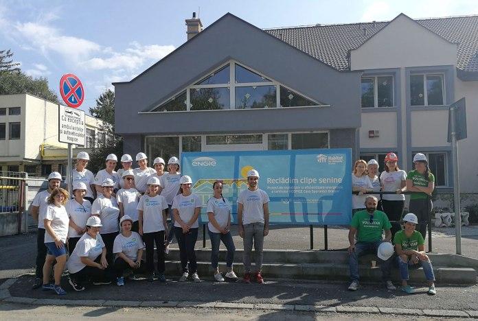 Voluntarii-ENGIE-pe-santierul-Habitat-for-Humanity-din-Brasov (2).jpg